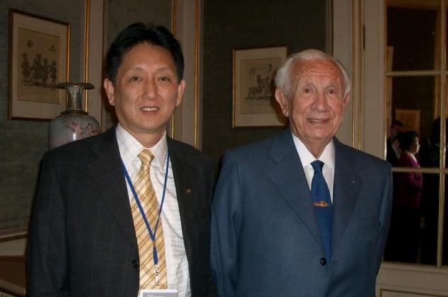 2004年第二届西中论坛上